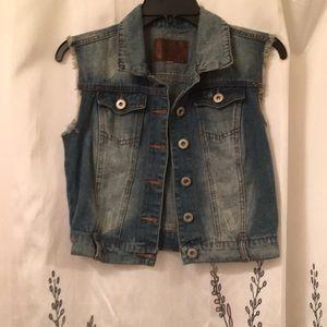 Sleeveless Jean Jacket Size S